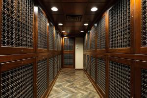 Tim Furlong Jr. - The George - Club Room adn Wine Cellar (1 of 10)