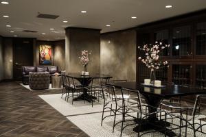 Tim Furlong Jr. - The George - Club Room adn Wine Cellar (4 of 10)
